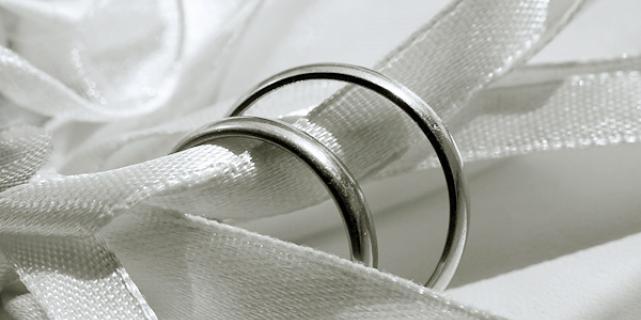 Где купить качественные кольца из белого золота?