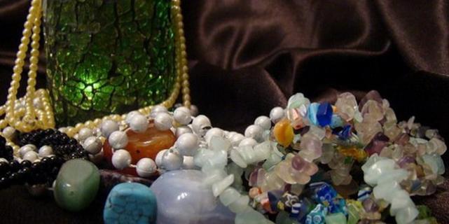 Изюминка уральских самоцветов – дамские украшения