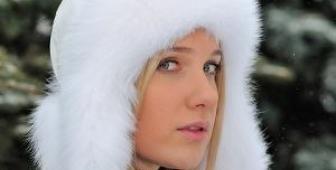 Выбираем женскую мутоновую шапку